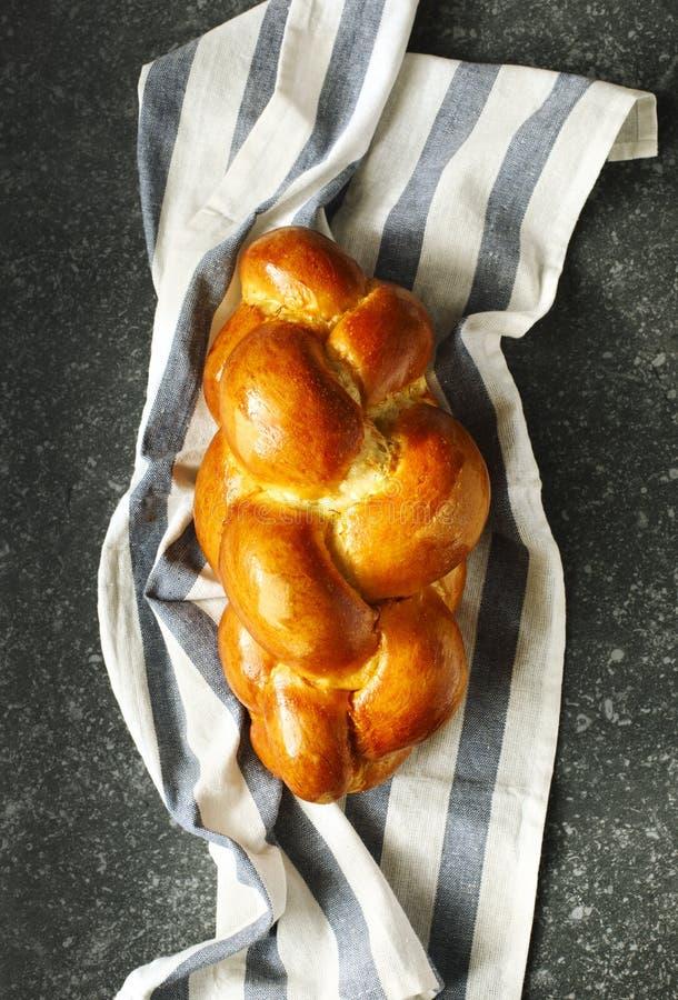 Vers gebakken zoet gevlecht broodbrood Challahbrood stock afbeeldingen