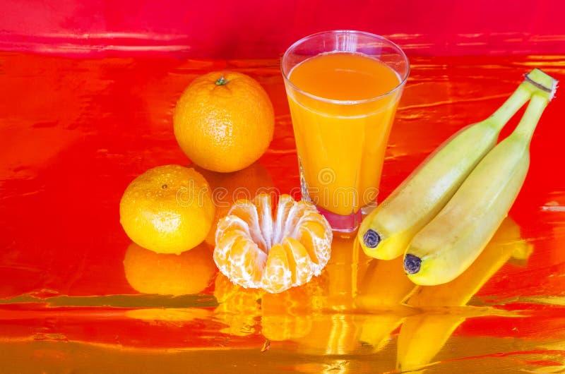 Vers gedrukt jus d'orange stock foto's