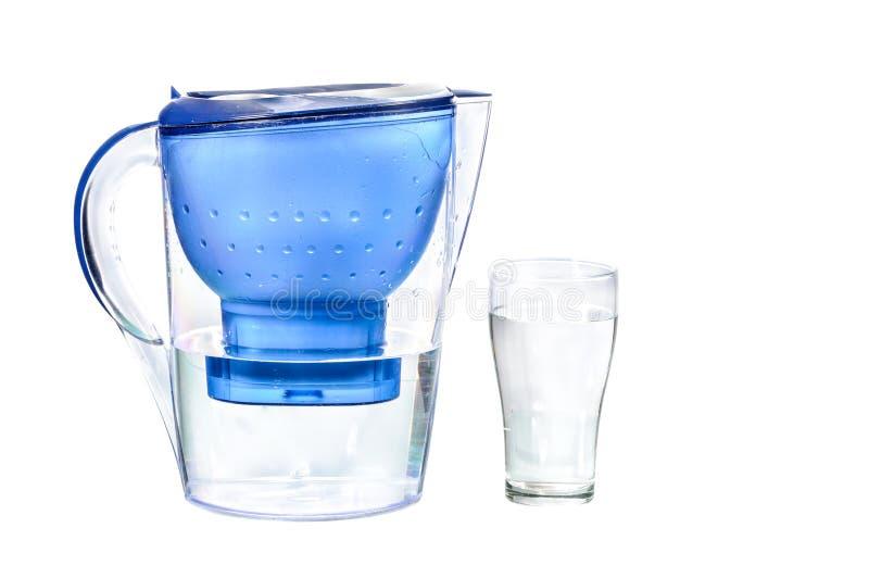 Vers gefiltreerd water voor drank stock fotografie
