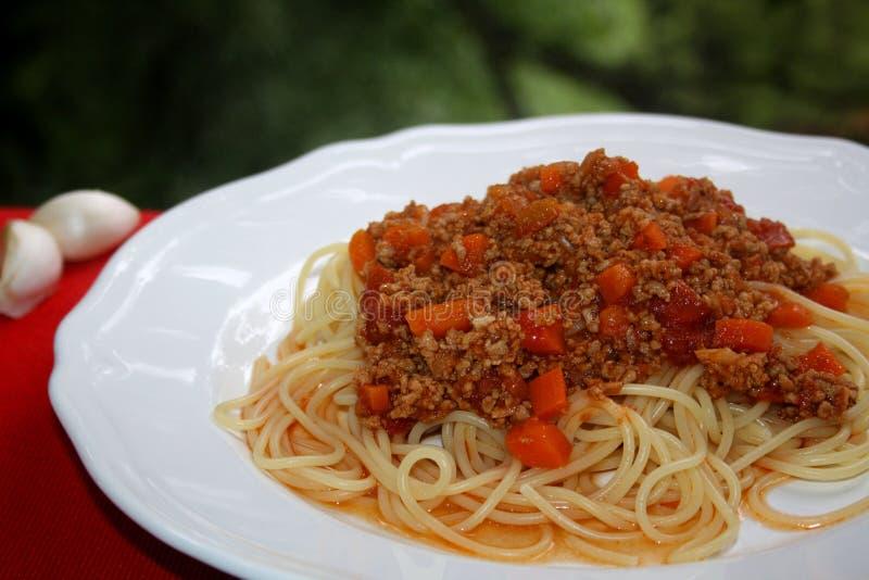 Vers gemaakte spaghetti Bolognese stock afbeeldingen
