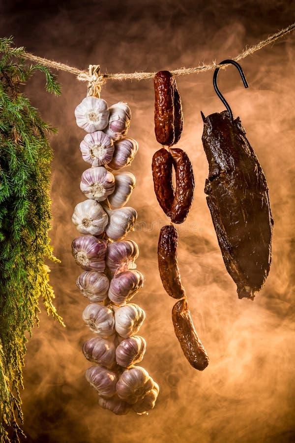 Download Vers Gerookte Ham In Eigengemaakt Rookhok Stock Afbeelding - Afbeelding bestaande uit knoflook, gastronomisch: 39115393