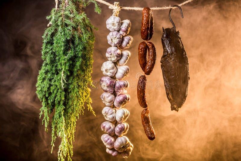 Download Vers Gerookte Ham In Rookhok Stock Foto - Afbeelding bestaande uit productie, preparing: 39115434