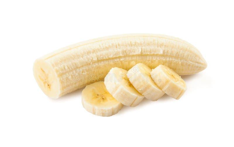 Vers gesneden bananen op een witte achtergrond stock afbeelding