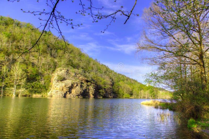 Vers le bas par le fleuve photos libres de droits
