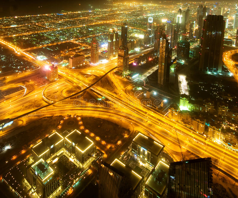 Vers le bas ville de Dubaï