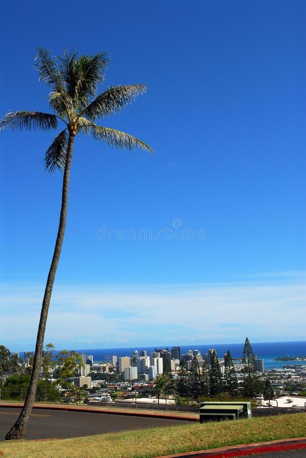 Vers le bas ville Honolulu images libres de droits
