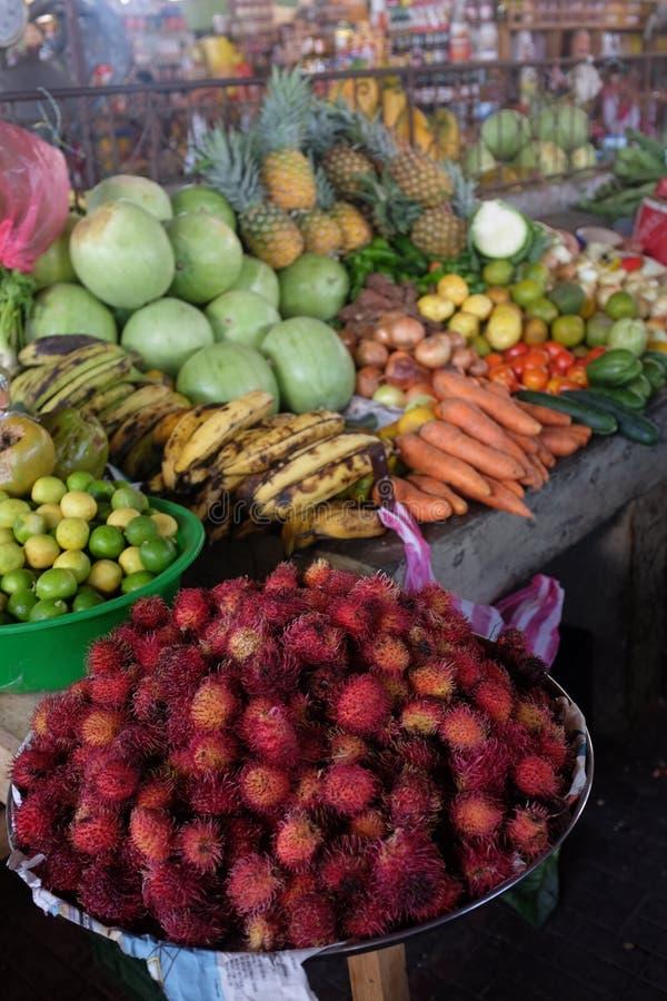 Vers productmarkt in Leon, Nicaragua stock afbeeldingen