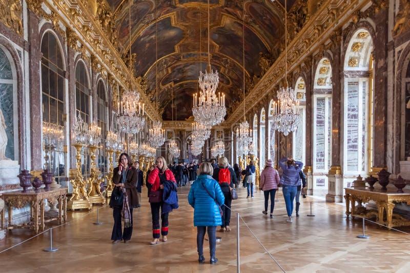 Versailes, France - 19 01 2019 : Hall des miroirs dans le palais de Versailles photos libres de droits