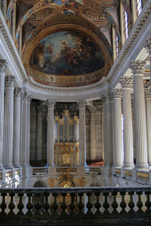 05 05 2008, Versailles, France Intérieur du palais avec l'organe Fin antique d'instrument de musique  photographie stock libre de droits