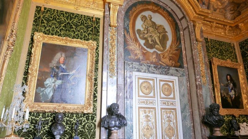 VERSAILLES, PARYŻ, FRANCJA WRZESIEŃ 23, 2015: widok pokój wśrodku pałac Versailles, Paris zdjęcia royalty free
