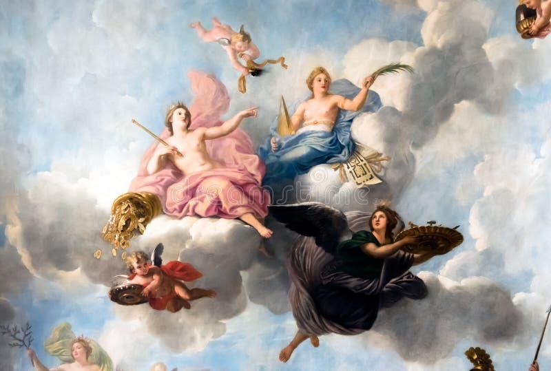 VERSALHES PARIS, FRANÇA - 18 de abril: Pintura do teto