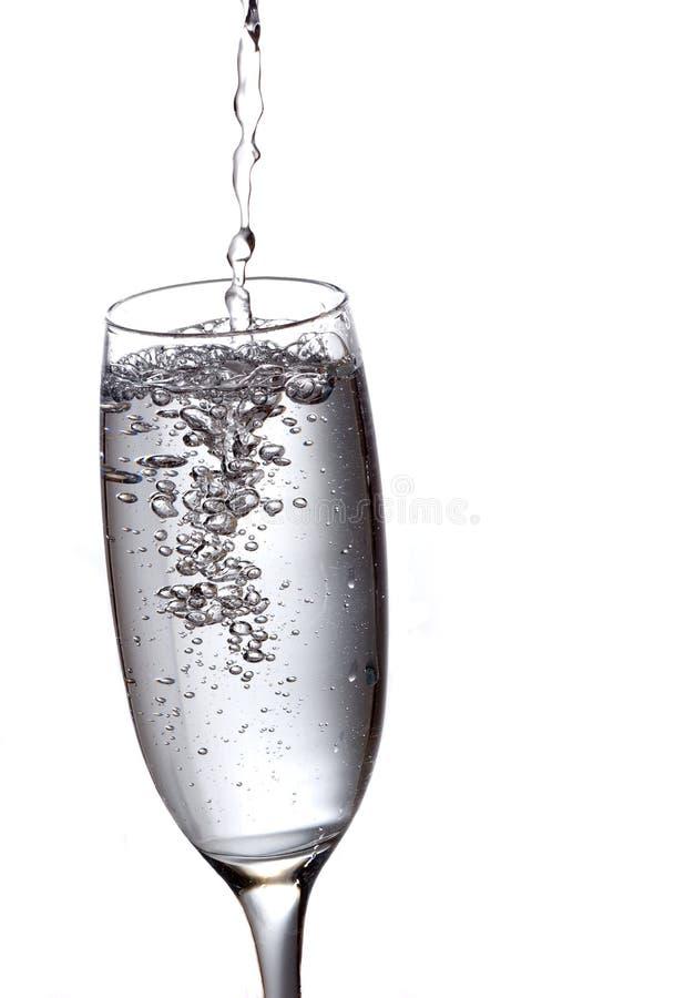 Versamento della bevanda immagini stock