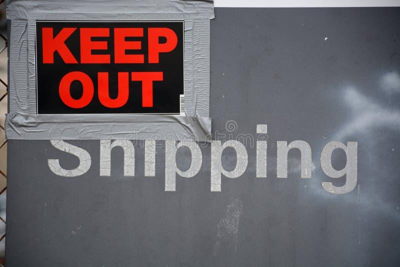 Versand-halten Sie heraus lizenzfreies stockfoto