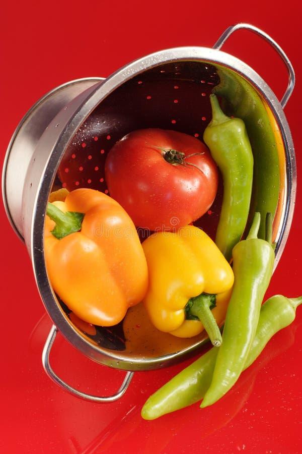 Verschüttetes Gemüse lizenzfreie stockfotografie