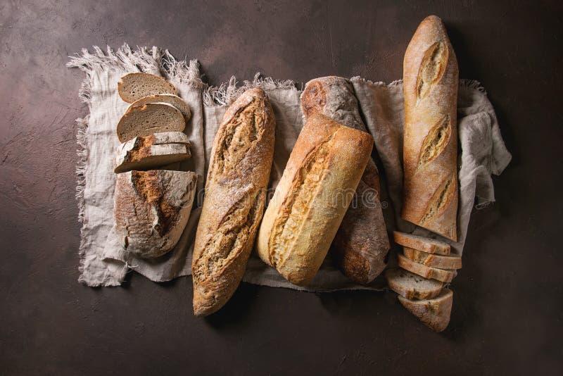 Verscheidenheid van Artisanaal brood stock afbeelding