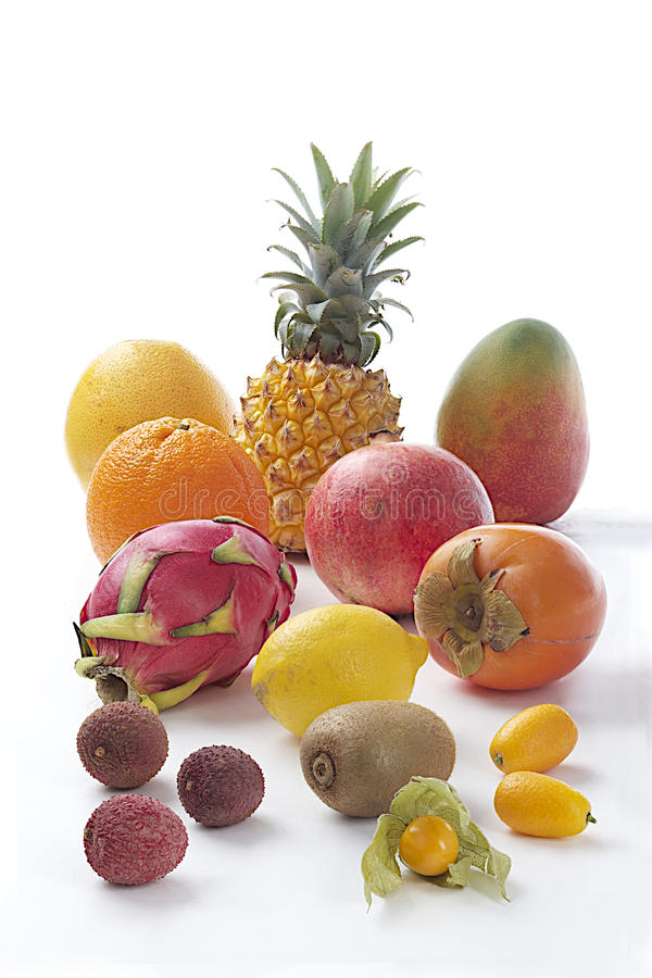 Verscheidenheid van exotische vruchten stock afbeelding