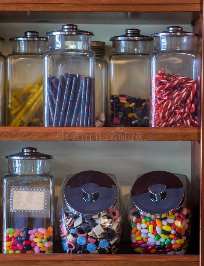 Verscheidenheid van suikergoed in een opslag royalty-vrije stock afbeelding