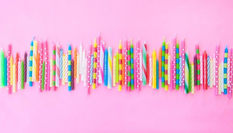 Verscheidenheid van verjaardagskaarsen stock foto