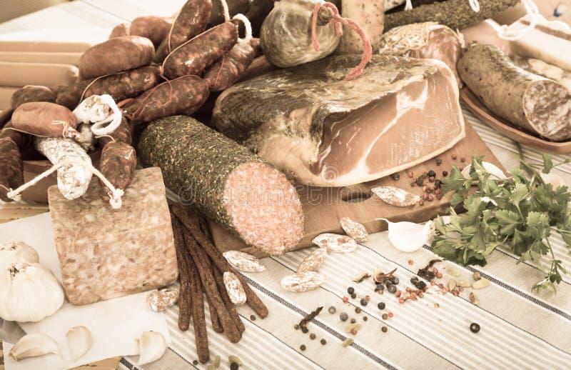 Verscheidenheid van vleeswaren stock foto