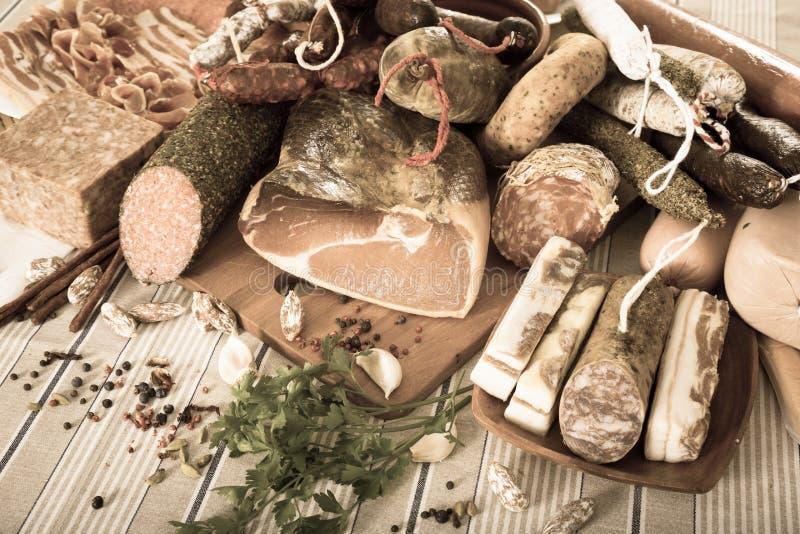 Verscheidenheid van vleeswaren stock fotografie
