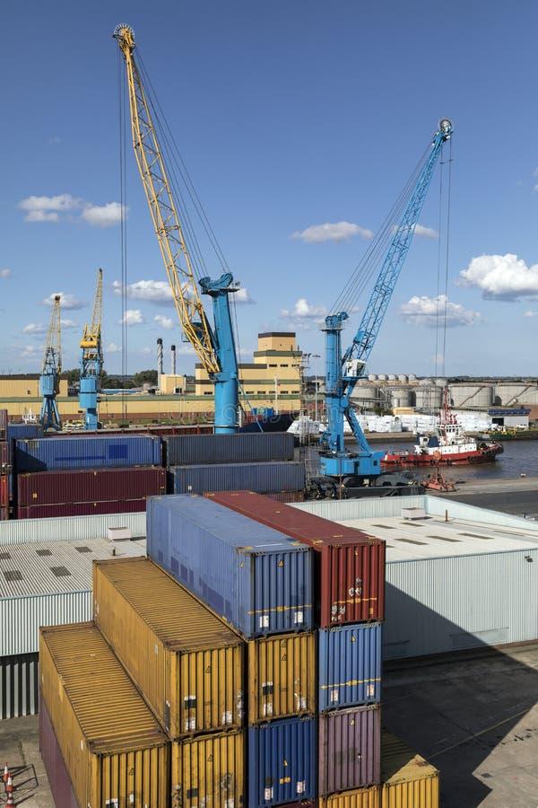 Verschepende Containers - Haven van Hull - het Verenigd Koninkrijk stock afbeeldingen