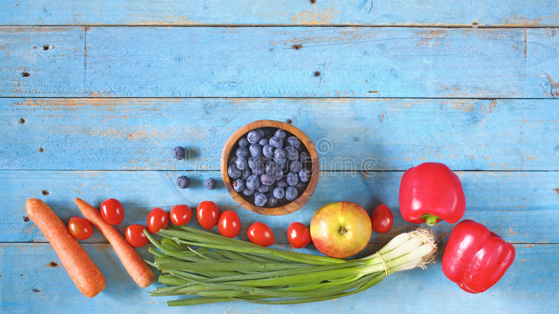 Verschiedene gesunde Nahrungsmittel lizenzfreie stockfotografie