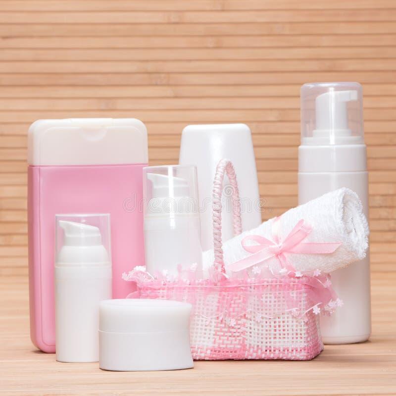 Verschiedene kosmetische Produkte lizenzfreie stockfotos