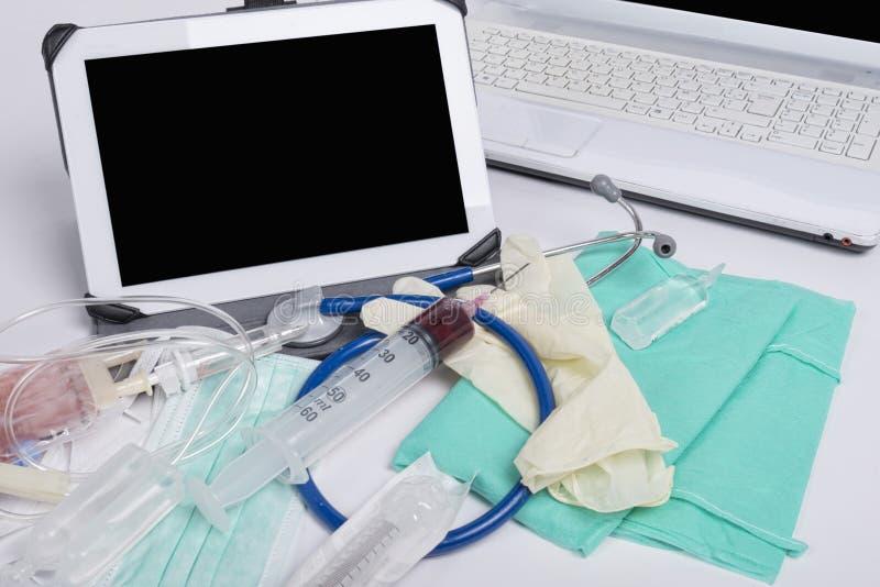 Verschiedene medicals Instrumente stockfoto