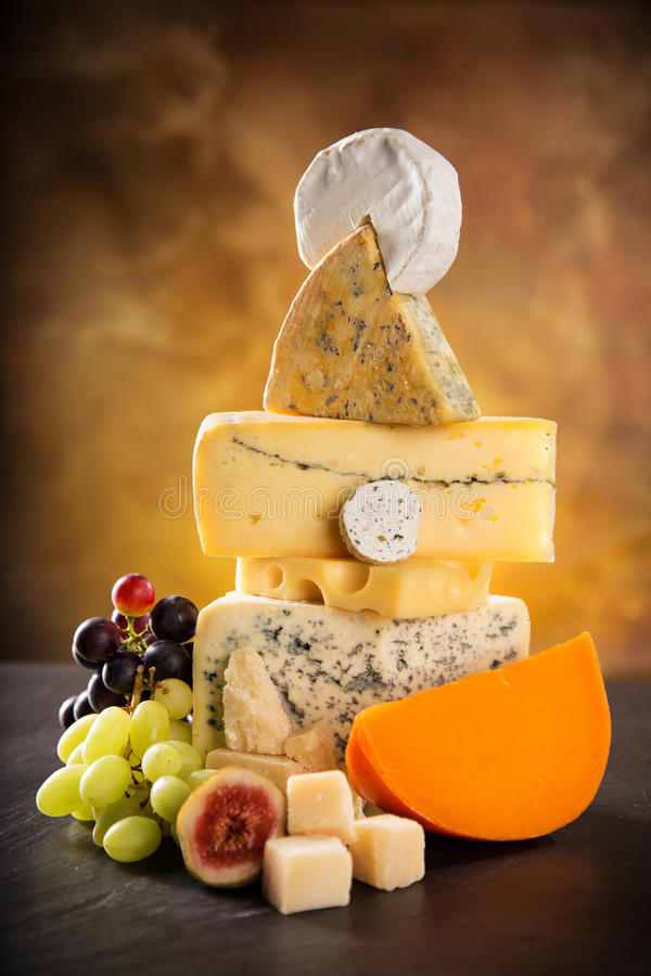 Verschiedene Typen des Käses stockfoto