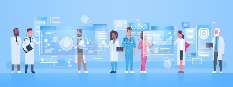 Verschiedener Bildschirm Doktor-Group Use Virtual mit Digital-Knopf-Innovations-Technologie-Konzept-modernem medizinischem stock abbildung