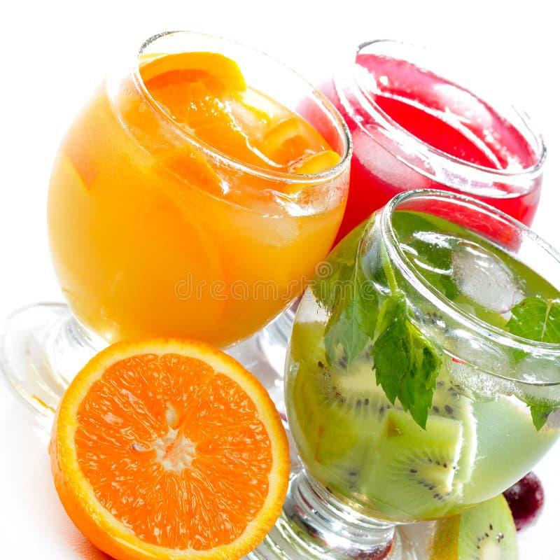 Verschiedener Fruchtsaft und Tee lizenzfreies stockbild