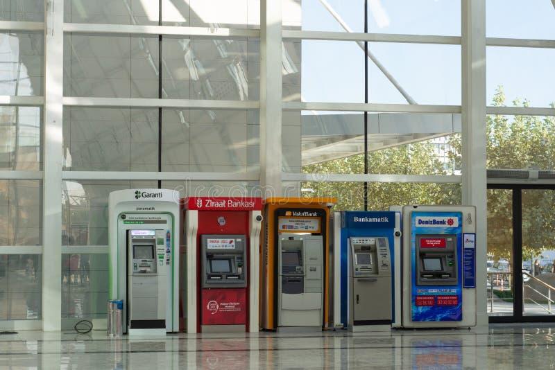 Verschiedenes ATM Bank des Türkischen in der Ankara-Metro-U-Bahn lizenzfreies stockbild
