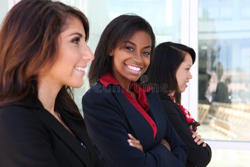 Verschiedenes Frauen-Geschäfts-Team lizenzfreie stockfotografie