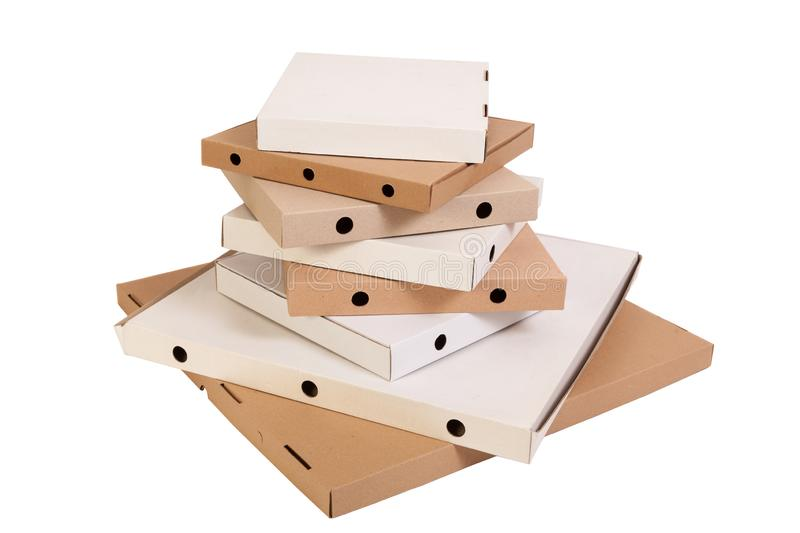 Verschillende grootte en kleuren geïsoleerde pizzadozen, Een lange stapel pizzadozen stock afbeelding