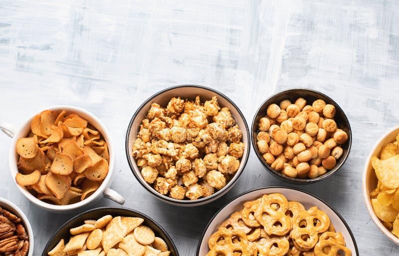 Verschillende jonge geitjes van snacks stock foto