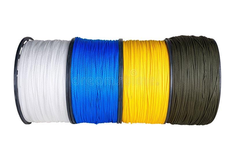 Verschillende rollen van synthetische kabels stock afbeeldingen