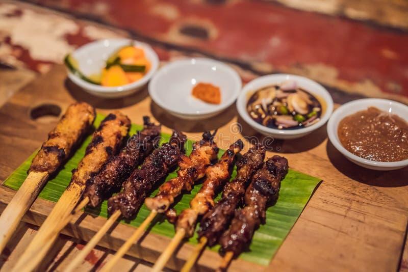Verschillende soorten satay diner Indonesisch voedsel royalty-vrije stock foto's