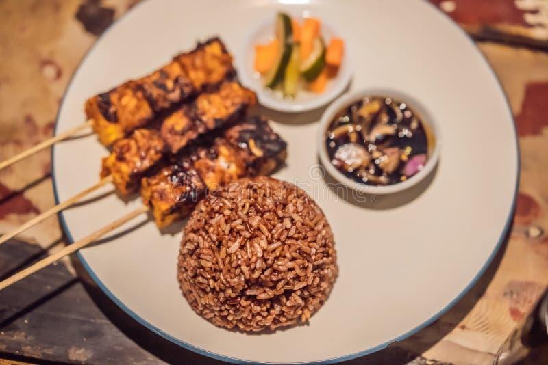 Verschillende soorten satay diner Indonesisch voedsel royalty-vrije stock afbeelding