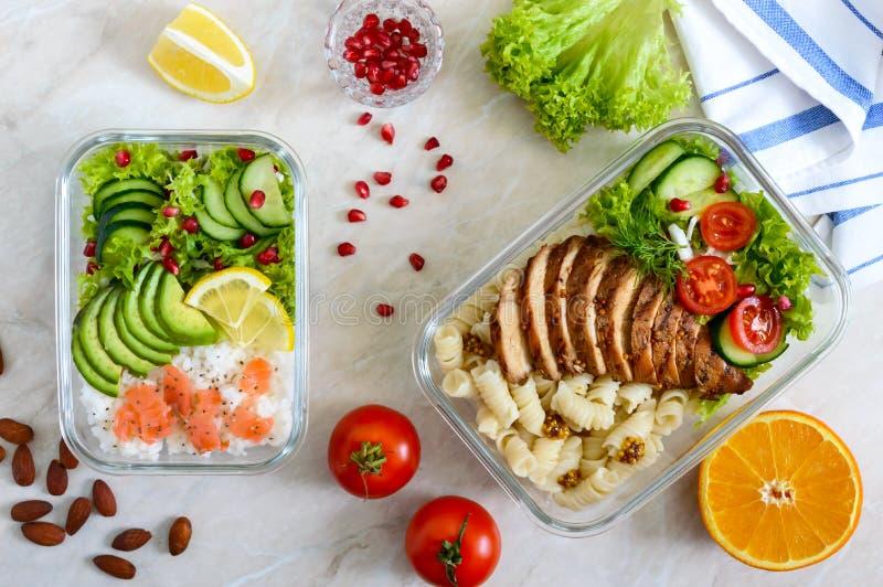 Verschillende types van lunchdozen De hoogste vlakke mening, legt Heerlijke gezonde lunch stock afbeeldingen