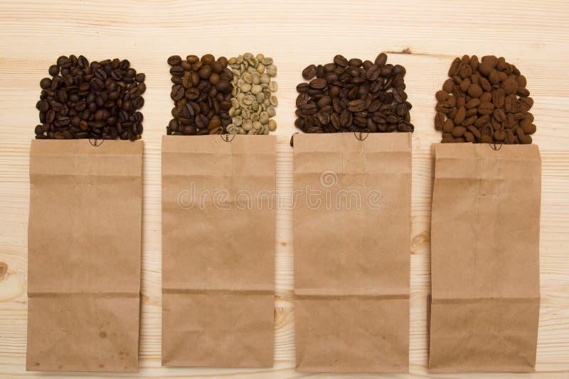 Verschillende verscheidenheden van koffiebonen royalty-vrije stock fotografie