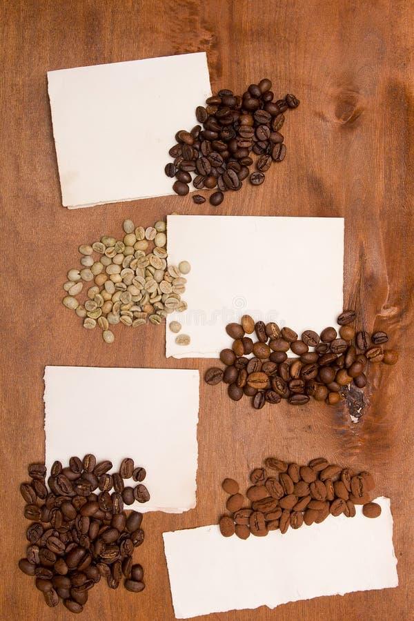 Verschillende verscheidenheden van koffiebonen stock fotografie