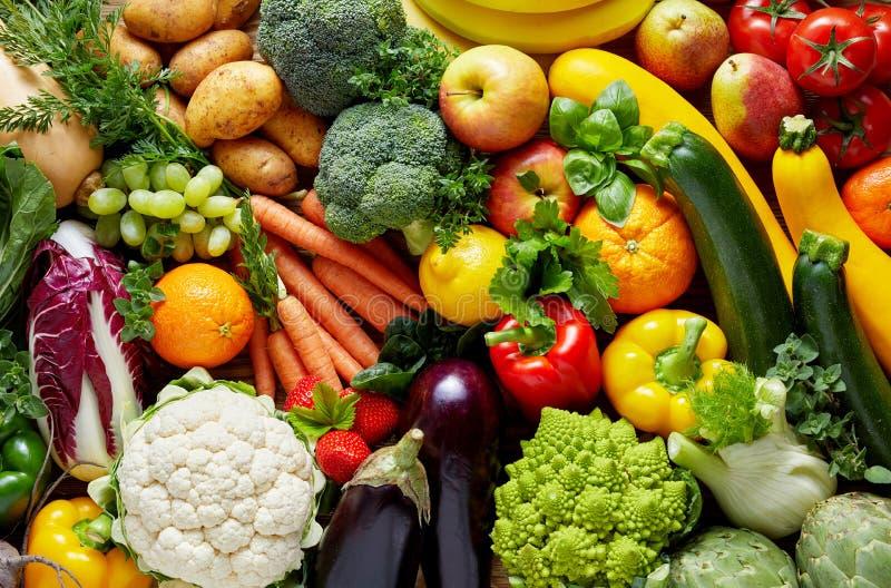 verschillende vruchten en groenten stock afbeeldingen