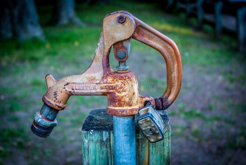 Verschlossenes Wasser Fauet lizenzfreies stockfoto