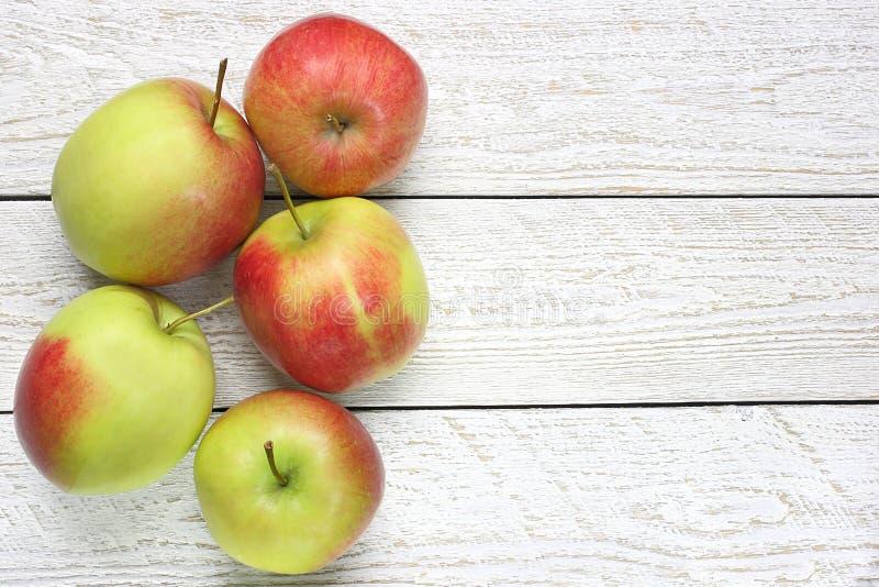 Download Verse appelen stock foto. Afbeelding bestaande uit smakelijk - 39116308