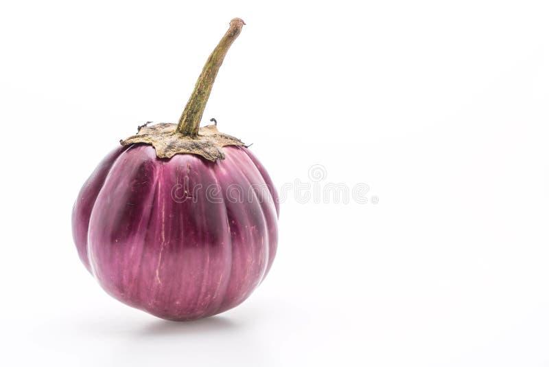 Verse aubergine op wit stock fotografie