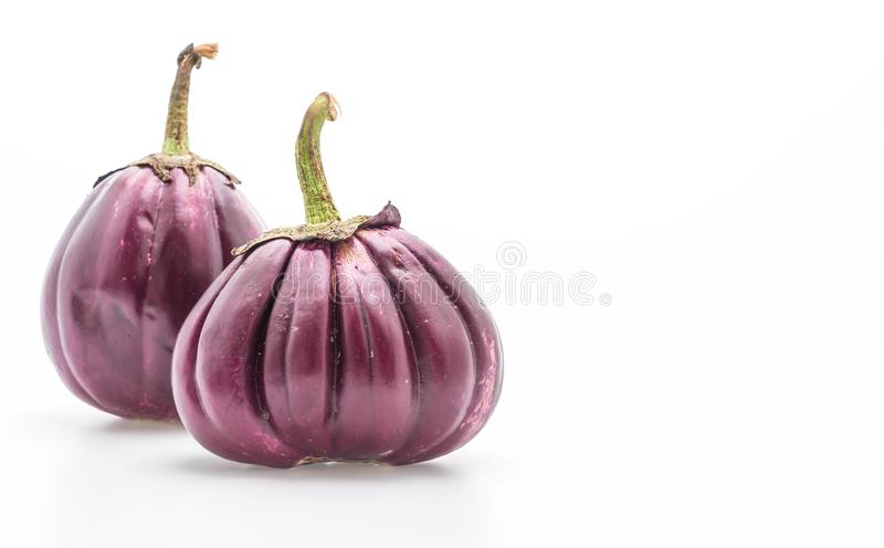 Verse aubergine op wit royalty-vrije stock afbeelding