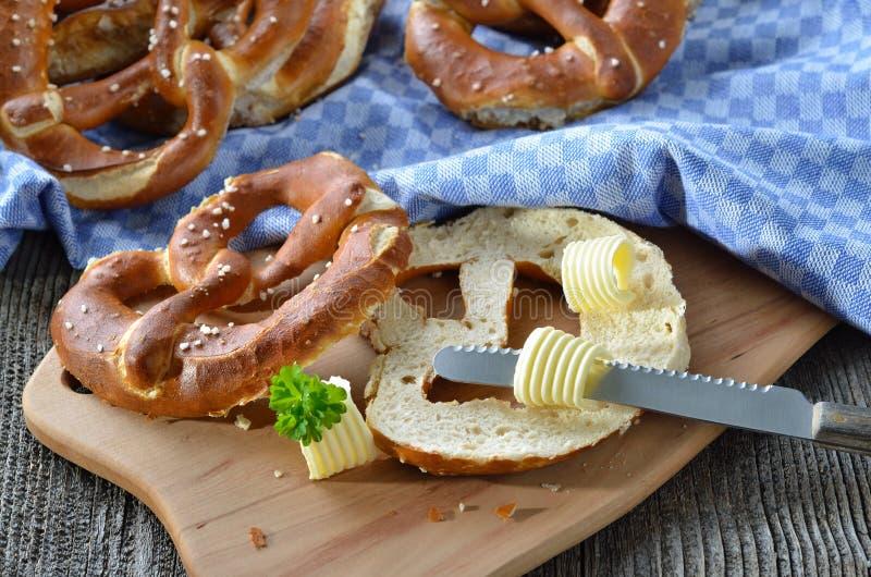 Verse Beierse pretzels stock fotografie