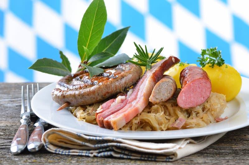 Verse Beierse vlees en worsten stock foto's