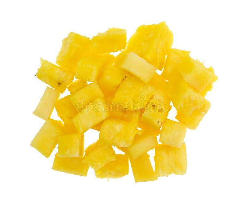 Verse brokken van ananas op een witte achtergrond stock afbeelding