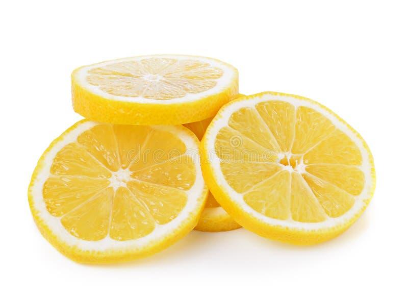 Verse citroenplakken op witte achtergrond royalty-vrije stock foto's
